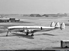 AirFrance Super Constellation at #Heathrow. What a gorgeous aeroplane!