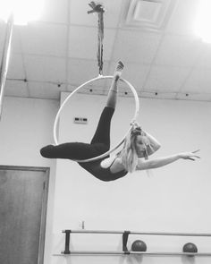 """402 Likes, 4 Comments - Gracie White (@gracie_gw) on Instagram: """"A slow sequence for a rainy day to my favorite song right now. ☔️☔️☔️ #circusgirl #aerialnation…"""""""