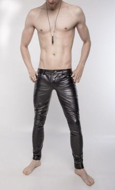 Men in hot boots or cool leather and some piercing Mens Leather Pants, Tight Leather Pants, Men's Leather, Latex Men, Leder Outfits, Hommes Sexy, Young Fashion, Leather Fashion, Bodies