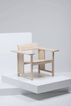 Clerisi by Konstantin Grcis for Mattiassi/Please wait to be seated