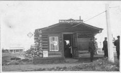 Photo Wells Fargo and Co. Wells Fargo Stagecoach, Pony Express, Strange History, Old West, Alaska, Photo Mugs, Wellness, Canvas Prints, House Styles