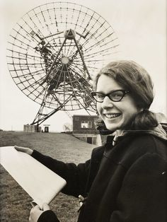 Complete the History Books: Jocelyn Bell Burnell discovered the pulsar - for which her male thesis advisor took the credit and the Nobel Prize Great Women, Amazing Women, Nobel Prize In Physics, New Scientist, Thing 1, Women In History, Held, History Books, Strong Women