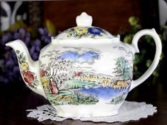 Windsor / Sadler Tea Pot, Cube Teapot - Farming Scenery - England 1485 – The Vintage Teacup Tea Pot Set, Pot Sets, Tea Cup Saucer, Tea Cups, Romantic Cottage, Romantic Homes, Vintage China, Vintage Teacups, Cabbage Roses