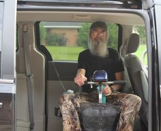 Oh my gosh Uncle Si Duck Dynasty Cast, Robertson Family, 4 Sisters, Duck Commander, Country Music Videos, Before Marriage, Christian Families, West Monroe, It Cast
