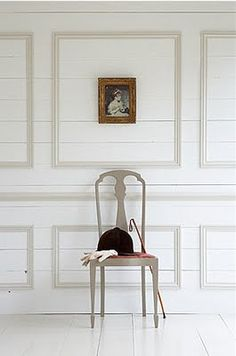 Gustavian Style - A Higher End looking Swedish style (vs Scandinavian Country Style) Love the white on white wall treatment. Little Greene Paint Company, Little Greene Farbe, Peinture Little Greene, Versailles, Halls, Off White Paints, Traditional Paint, French Walls, Wall Molding