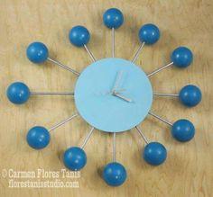 DIY Mid-Century Inspired Retro Satellite Ball Clock