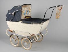 Poppenwagen, witte houten bak, engels model