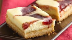 Love cheesecake?  Make bars that start with an easy sugar cookie mix.