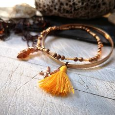 This boho bracelet set oozes beachy charm! Romantic and earthy... I know that so many people, like me, feel the call of the sea and the salty breeze in their soul. My aim is to bring a little slice of that romantic ocean escape to my customers ♡ _______________________________________    WORLDWIDE P&P ONLY €3.0 Bohemian Style Clothing, Boho Style, Beach Jewelry, Sea Glass Jewelry, Jewellery Box, Jewelry Gifts, Irish Jewelry, Beach Accessories, Beach Scenes