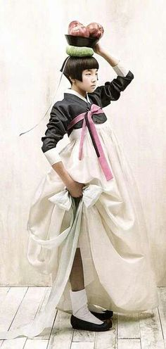 Korea.....Gorgeous hanbok!!
