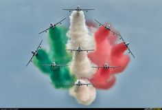 """Italy - Air Force """"Frecce Tricolori"""" 1 aircraft at Radom - Sadkow photo Aviation Image, Aviation Art, National Flag India, Pan Photo, Airplane Fighter, Air Show, Great Pictures, Military Aircraft, Air Force"""