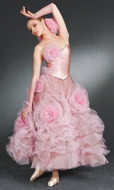 Ballet Pink ♡ www.theworlddances.com/ #ballet #pink #dance.