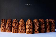 Conjunto de dioses escandinavos.  ¡Regalo perfecto! Estatuas de madera únicos: Odin, Thor, Freyja, Frig, Magni, Tyr, Heimdallr, Hel y Loki en el set.