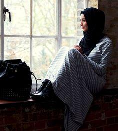 Hijabs Hijab chic hijabi styles islam is beautiful. Islamic Fashion, Muslim Fashion, Modest Fashion, Fashion Outfits, Ladies Fashion, Fasion, Fashion Styles, Style Fashion, High Fashion