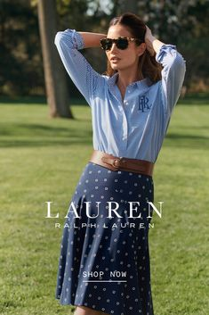 Bring your wardrobe into the new season with easy tailoring in classic navy and florals in feminine silhouettes. Classic Outfits, Chic Outfits, Summer Outfits, Fashion Outfits, Womens Fashion, Classic Fashion Looks, Preppy Style, My Style, Date Outfit Casual