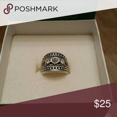 Ring Pretty little petite silver ring from Premier Jewelry size 6 Premier Designs Jewelry Rings