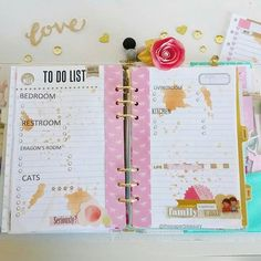 Week 44 in my home planner (before filling her in). #heartofgold #planneraddict #planner #marionsmithdesigns #plannercommunity #ephemera #stickers #americancrafts #planneraddict #plannerlove #A5 #decoratedpages #papercrafts #veganleather #A5 #agenda #organizer #bujo #timholtz #distressingink #stamping #heartofgoldplanner