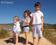 Calções de rapaz com riscas azul marinho, calções com riscas azul marinho e fofo branco com riscas azul marinho