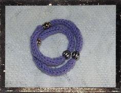 braccialetto tricotin e perline metalliche