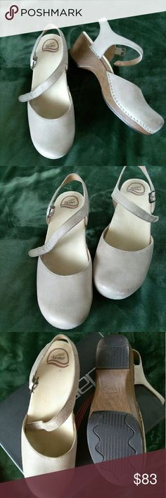 DANCEKO CLIGD I love these shoes and so will you! Only worn once. Perfect condition. Shoes Mules & Clogs