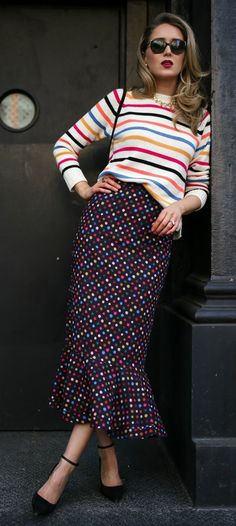 Style: Dressing Up & Down Floral Skirts – Best Fashion Advice of All Time Pattern Mixing Outfits, Modest Fashion, Fashion Outfits, Estilo Cool, Cool Style, My Style, Trendy Style, Mixing Prints, Mode Inspiration