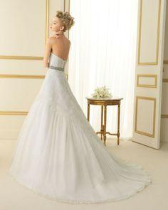 144 TERSEO / Wedding Dresses / 2013 Collection / Luna Novias (back)