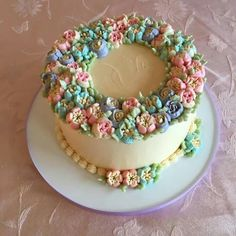 Russian piping tips, floral wreath cake