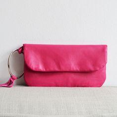 Pinke Lederclutch // pink leather clutch by donee via DaWanda.com