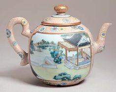 粉彩开光人物茶壶 - Fencai, Collection of The Palace Museum, China