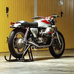 lemoncustommotorcycles: Moto Guzzi 1000 SP #MotoGuzzi #1000SP #Motorcycledreams…