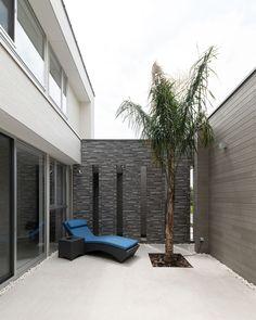 CASE682 Casa de Resort Dream House Plans, Outdoor Furniture, Outdoor Decor, Sun Lounger, Garden Design, Backyard, Room, Ideas, Home Decor
