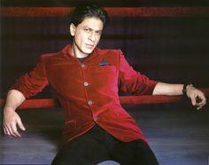 Red velvet. #SRK #Shahrukh #Bollywood