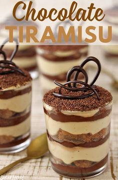 chocolate tiramisu has tiers of its own. Add it to your dessert table alongside your cake or other pastries. [via ]This chocolate tiramisu has tiers of its own. Add it to your dessert table alongside your cake or other pastries. Tiramisu Cups, Chocolate Tiramisu, Tiramisu Dessert, Chocolate Ganache, Hot Chocolate, Chocolate Espresso, Tiramisu Oreo, Chocolate Caliente, Espresso Coffee