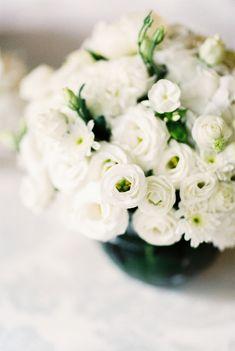 White-Wedding-Flowers.jpg 650×969 pixels