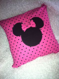 diy Minnie Mouse Pillow :) something I learned on pinterest and re-made