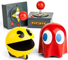 Recreate Pac-Man in your home with the Pac Man & Ghost Remote Controlled Set. It comes with one Pac-Man and one Ghost (Blinky!). But this time there's no maze, no power pellets, no fruit, it's just one on one, mano a mano... so cute!! #geek #nerd #pacman