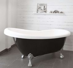 Lovely bathtub!