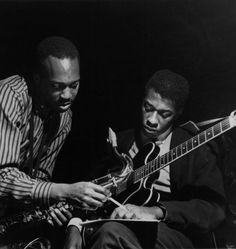 Hank Mobley and Grant Green at Mobley's Workout session, Englewood Cliffs NJ, March 26 1961 (photo by Francis Wolff) Jazz Artists, Jazz Musicians, Jazz Guitar, Music Guitar, Jackie Mclean, Francis Wolff, A Love Supreme, Hard Bop, Cool Jazz