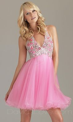 That's a kind of dress you don't wear everyday. But if I had the chance, I would once wear it for sure..