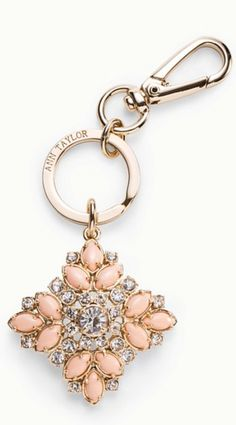 Pretty key chain Follow My Pinterest: @vickileandro