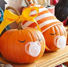 Looking for some new and creative Pumpkin Ideas? We've got No-Carve Pumpkins, Easy to Carve Pumpkins, Pretty Pumpkins, Painted Pumpkins - we've got them all! Pumpkin decorating has come a long way since I was Pumpkin Carving Stencils Free, Easy Pumpkin Carving, Pumpkin Painting, Scary Pumpkin, Pumpkin Carvings, Pumpkin Ideas, Pumpkin Crafts, Pumpkin Designs, Pumkin Decoration