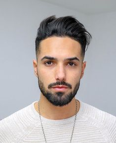 A fade haircut has is a fashionable haircut that has stood the test of time. Use this guide to find best way to get a fade haircut for you.#menshaircut#menshairstyle#skinfade#fadehaircut#taperfade#undercut#topknot#buzzcut#pampadour Cool Hairstyles For Men, Latest Hairstyles, Haircuts For Men, Men's Hairstyles, Mems Haircut, Buzz Cut For Men, Drop Fade Haircut, Trending Haircuts, Professional Hairstyles