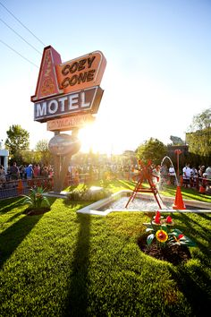 Cozy Cone Motel in Disney world. Walt Disney, Disney Love, Disney Parks, Disney Pixar, Disneyland Photos, Disneyland Resort, Disneyland Rides, Disney Resorts, Disney Land Pictures