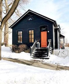 Best Tiny House, Small House Plans, Exterior House Colors, Exterior Design, Exterior Paint, Black House Exterior, Cafe Exterior, Colonial Exterior, Restaurant Exterior