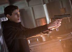 Gotham 2x18 - Bruce Wayne (David Mazouz) HQ