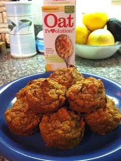 Apple Cinnamon Pumpkin Oat Muffins! High protein, low-carb, super tasty muffins that taste like a decadent treat but are actually super good for you! Perfect winter breakfast on the go or pre-workout snack! Couldn't be easier to throw together :-)  unBearablygood