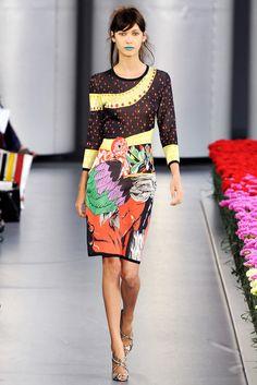 Mary Katrantzou Spring 2012 Ready-to-Wear Fashion Show - Amanda Hendrick