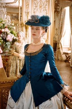 Judy Davis as The Comtesse de Noailles in Marie Antoinette Period and costume drama. 18th Century Clothing, 18th Century Fashion, Sofia Coppola, Period Costumes, Movie Costumes, Historical Costume, Historical Clothing, Rococo Fashion, Vintage Fashion