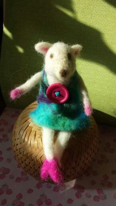 Needlefelted mouse
