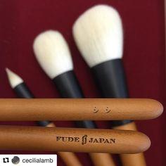 #Repost @cecilialamb with @repostapp  Huge congrats - Toshiya San's first Fude Japan set  #congratulations #FudeJapan #fude #japan #japaneseart #madeinjapan #inauguration #makeupbrushes #saikoho #goatsaikoho #細光峰 #sakuratree #japanesecherrybirch #水目櫻 #personalized #paulownia #paulowniawood #woodenbox #nofilter @fudejapan